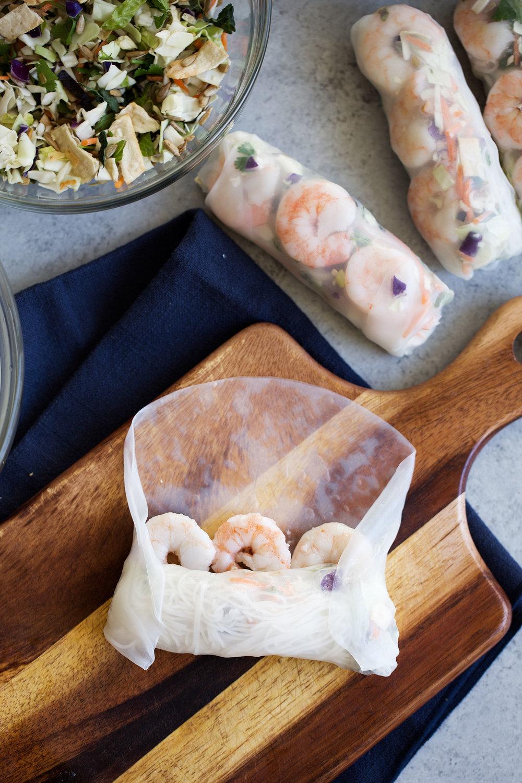 earthbound-salad-kit-asian-shrimp-spring-roll-ingredient-2.jpg