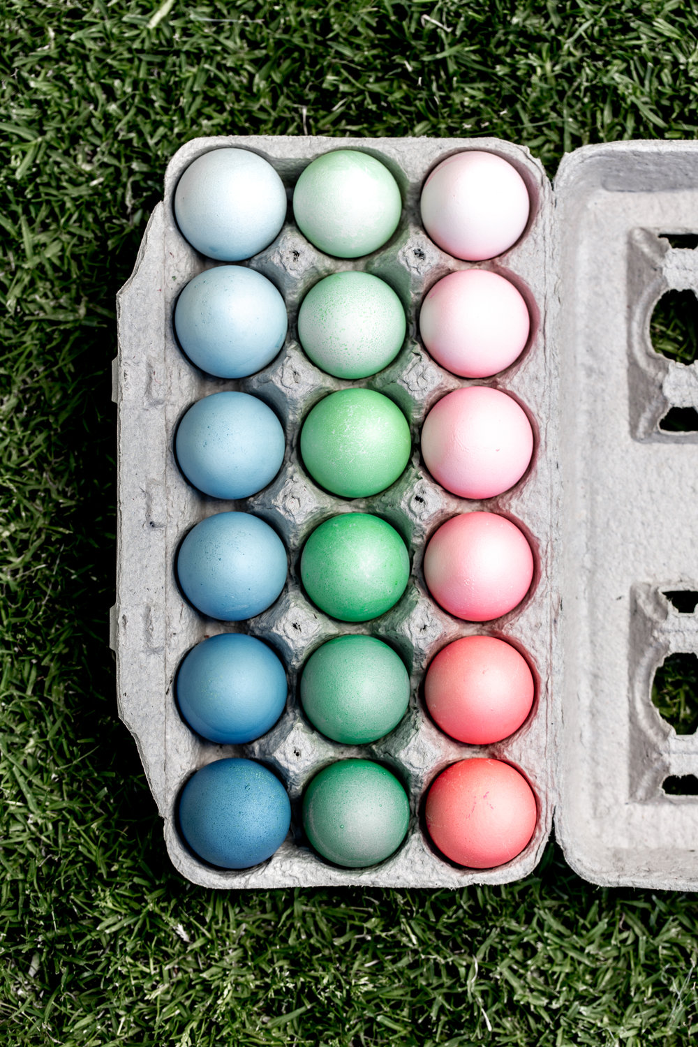 How to Dye Easter Eggs from cooking with cocktail rings ombre eggs