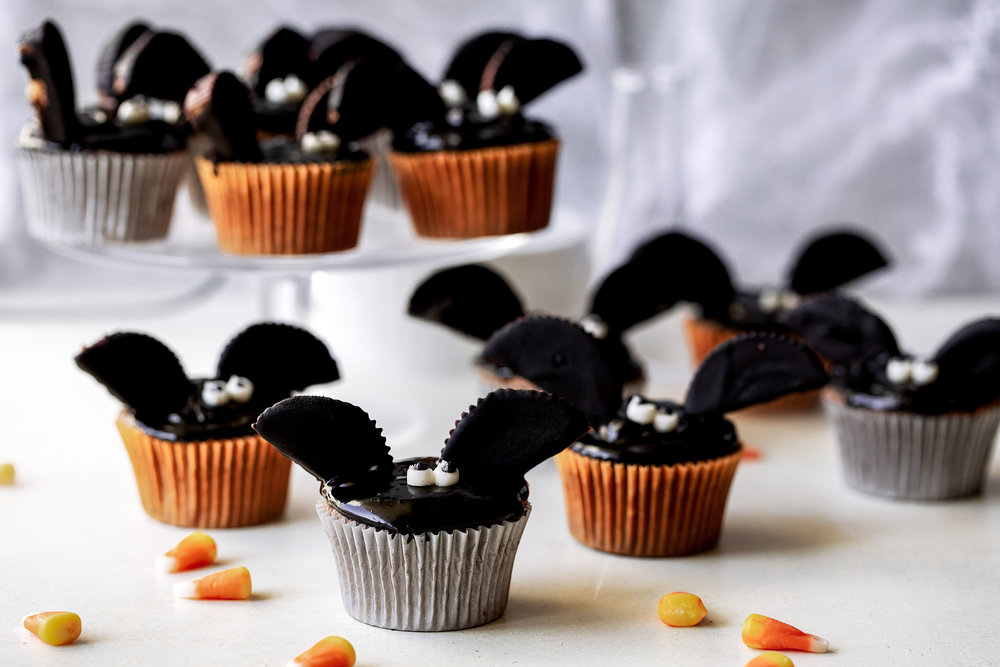Halloween Bat Cupcakes.Chocolate Peanut Butter Bat Cupcakes Cooking With Cocktail Rings